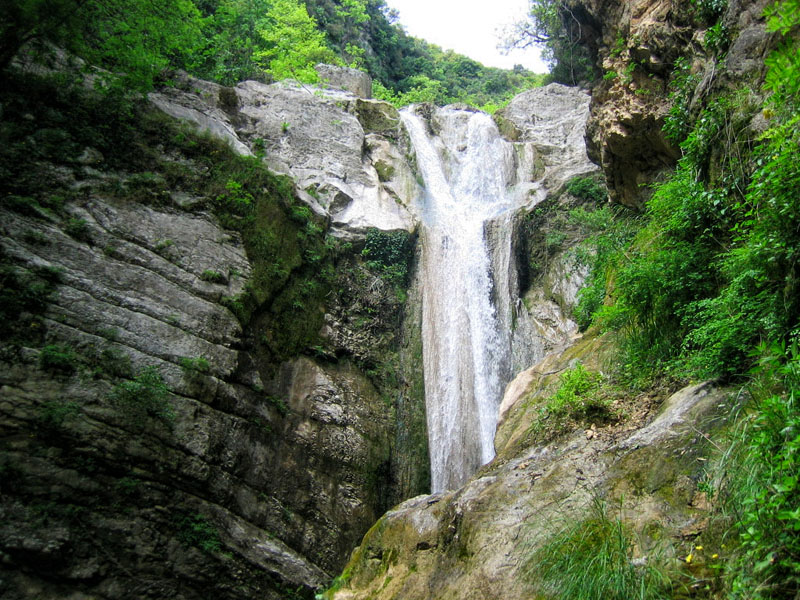 Dimosari waterfalls
