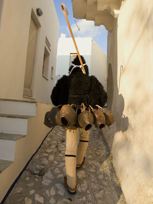 Skyros traditional dress